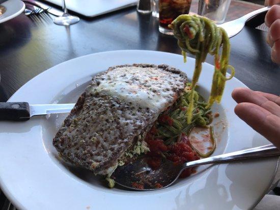 De Palma's Italian Cafe: Eggplant Florentine- delicious.