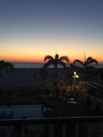 Plaza Beach Hotel - Beachfront Resort Photo