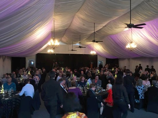 St. Eugene Golf Resort & Casino: Dining in the tent