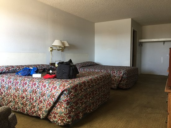 Clown Motel - UPDATED 2018 Hotel Reviews (Tonopah, NV) - TripAdvisor