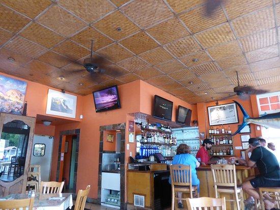Lahaina Coolers: Small bar too...