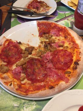 Cafe Pizzeria Platzmuhle: photo0.jpg