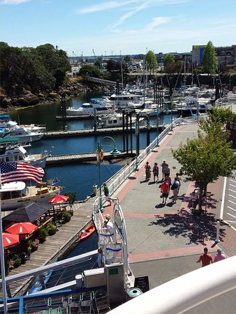 Nanaimo, Canada: Looking south towards Port Place across from the Gabriola ferry dock