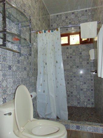 Managua Hills Bed and Breakfast: Bathroom - Double bed (1 queen size bed)