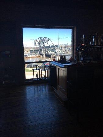 Ashtabula, Огайо: Shots of the view and second floor.