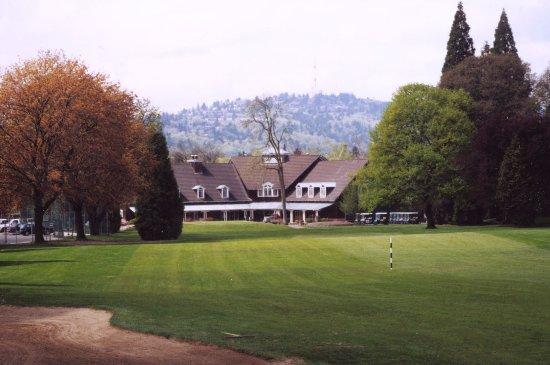 Eastmoreland Golf Course