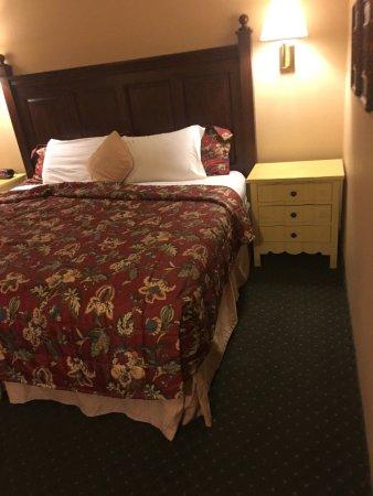 Pike's Waterfront Lodge: photo3.jpg