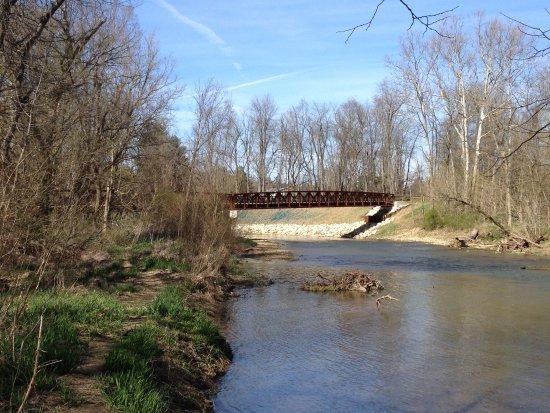 Newark, OH: Bridge over Raccoon Creek