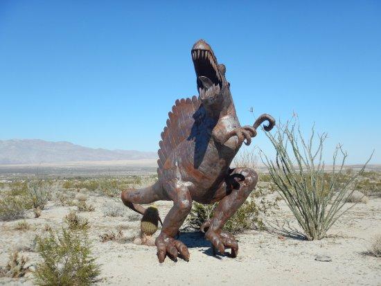 Galleta Meadows: Dinosaurs aboung!