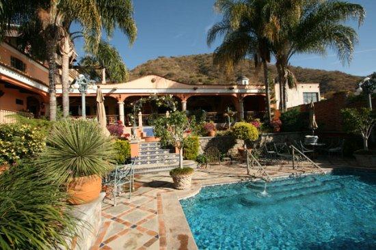 Casa Tres Leones: Pool area