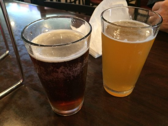 Whittier, Kalifornia: Dark and light beer