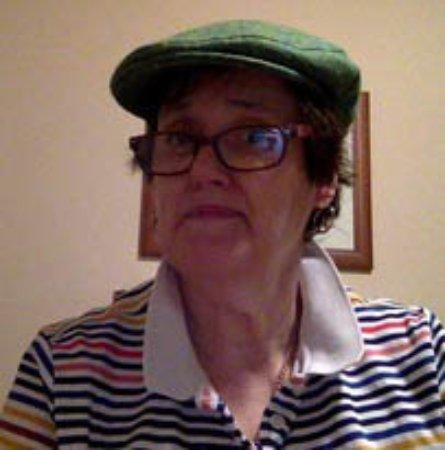 Ladies Medium Flat Cap Self Green Herringbone - Trefriw Woolen Mills