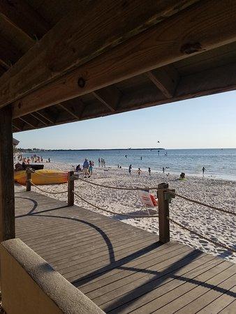 Ruskin, FL: Beach at Sunset Grille