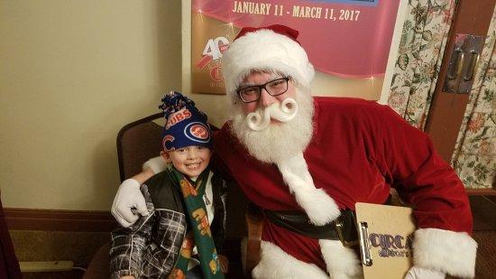 Rock Island, IL: Photos with Santa