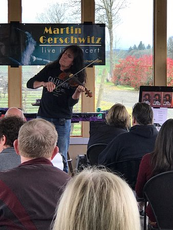 Independence, OR: Martin Gerschwitz in concert Redgate Vineyard