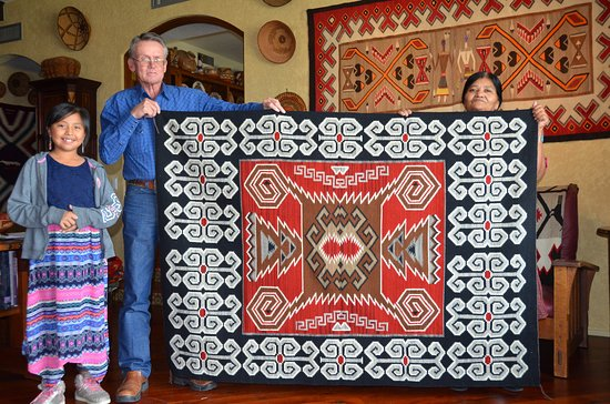 Sonoita, AZ: Steve & Elsie Bia with her latest Ganado/Storm Pattern and her granddaughter Nathalie in the Gal
