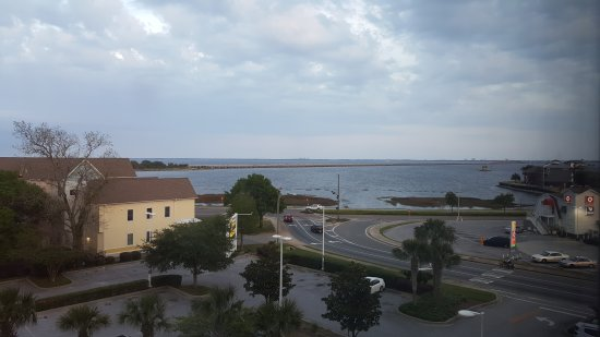 Courtyard by Marriott Pensacola Downtown: View from 5th floor