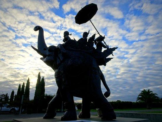 Te Awanga, نيوزيلندا: Elephant Hill Sculpture
