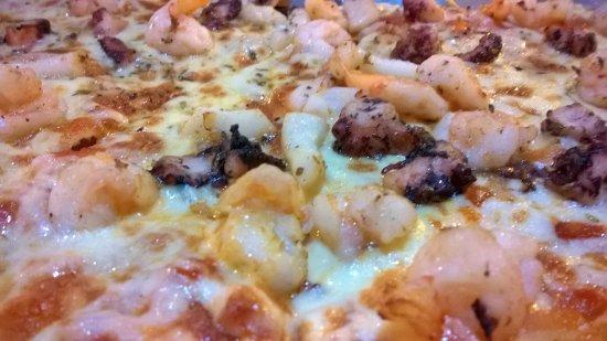 Cafe Hernan: Pizza Ocean