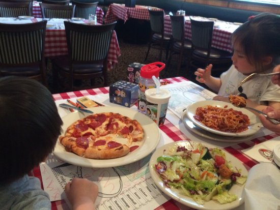 Dublin, CA: Delicious food - great for family lunch stop with 2 young kiddies. Overall big thumbs up from UK