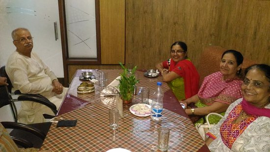 Anjar, Ấn Độ: P_20170408_213315_large.jpg