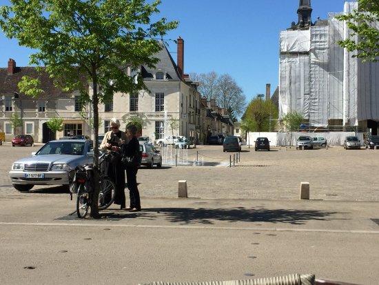 Richelieu (37) vue partielle travaux église