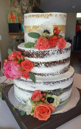 Loveland, CO: Custom Order Cake Shop