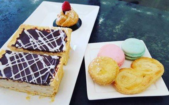 Loveland, CO: Mille Fuille, choux à la crème, macarons & Palmier