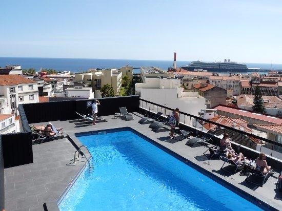 La piscine en terrasse c 39 est top quand on rentre de rando for La piscine review