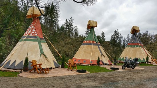 Grants Pass, Oregón: Tee Pees are available.