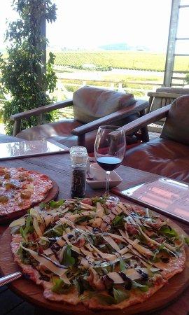 Mulderbosch Vineyards : Pizza