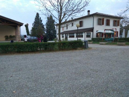 Monteveglio, Italy: Vista dall'esterno