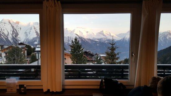 Riederalp, Suiza: bergzicht vanuit restaurant