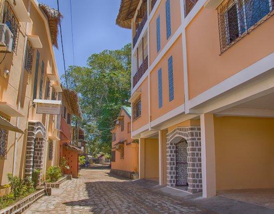 Hôtel-Résidence Au Sable Blanc: rue de Madirokely Nosy be
