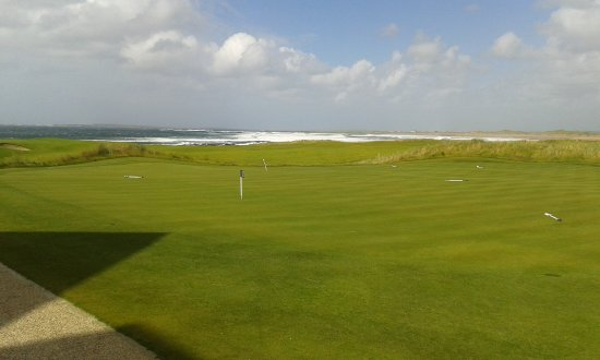 Doonbeg, Ireland: A windy sea breeze during our visit