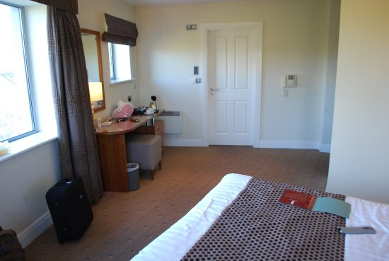 Scotts Hotel: Huge room