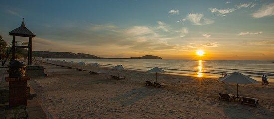 Sunrise at the Pandanus Resort