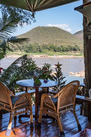 Viewpoint Cafe: River view