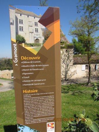 Gramont, França: panneau de découverte du village