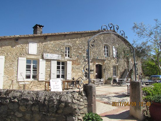 Gramont, France: auberge du village