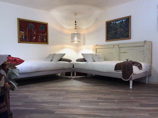 Allestimento della stanza a uso doppia picture of a casa for Casa di sei stanze