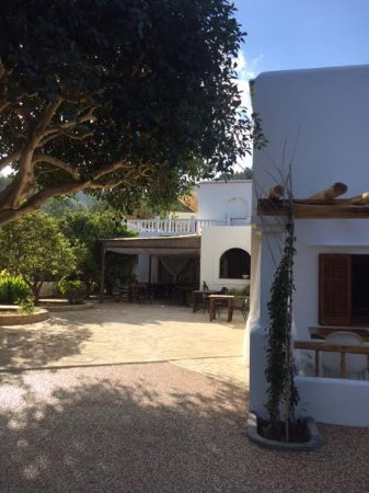 Agroturismo Ca Sa Vilda Marge: Surrounded by lush vegetation, this hotel is a nature lovers treat.