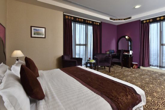 Awaliv International Hotel