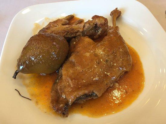 Can Tiranda: Pato con peras