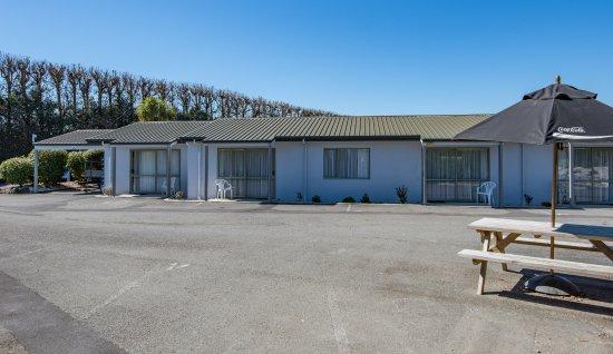 Appleby, Nuova Zelanda: parking and bbq area