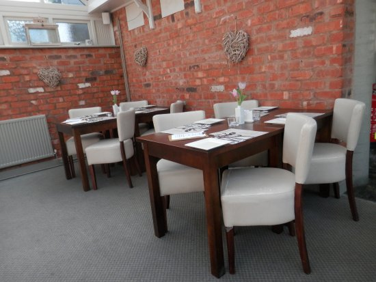The Roebuck: Corner of conservatory dining area