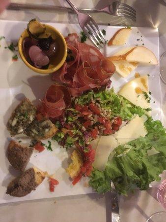 La Montagnola: photo0.jpg