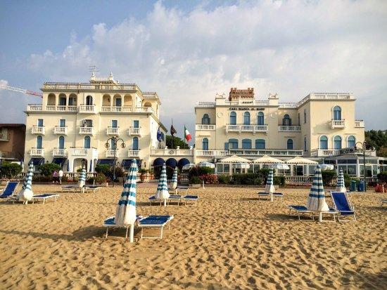 Hotel Colombo: До пляжа отеля, буквально несколько минут пешком