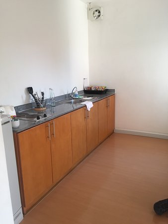 Studio 99 Serviced Apartments: photo1.jpg
