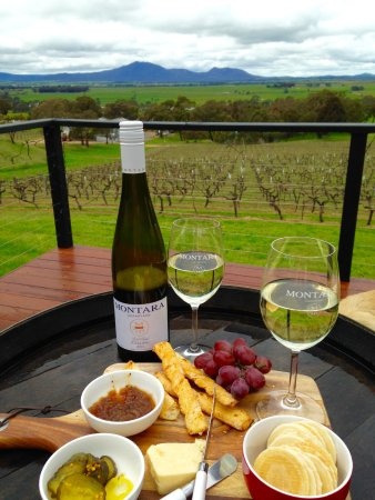 Grampians, Australia: Your wine & food await you when we land at Montara Wines